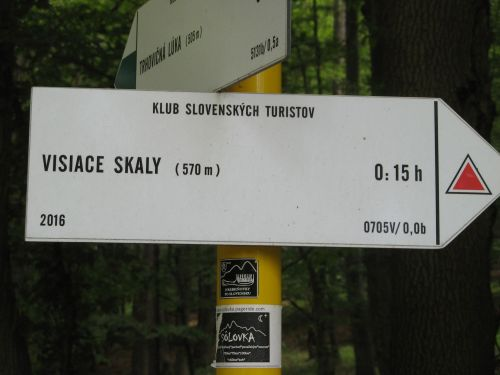 visiace skaly compressed